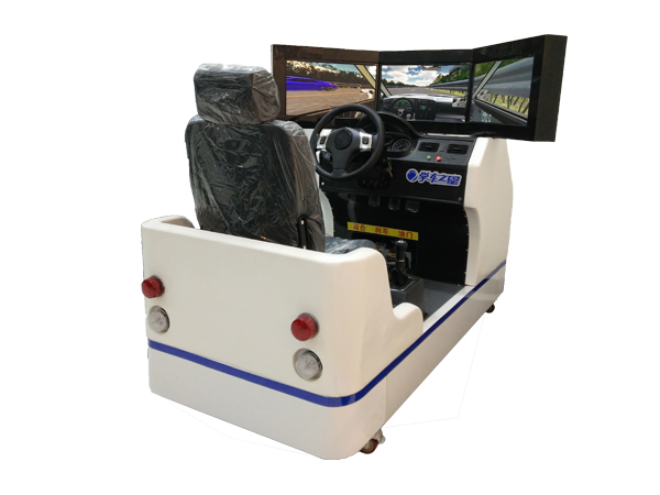 ballbet之星驾车模拟器采用防滑压纹设计的地板,精仿真车的一比一设计,悬挂式真车离合、刹车、油门、档位可180度旋转,方向盘支撑杆科自由伸缩,一体化便携结构设计,无需拆装,直接连电脑即可使用,豪华一体机外观时尚,内置计算机和座椅,让人仿佛置身于真实的贝博室,真实体验驾车感受。